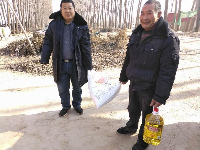 张培公情系朱庄村帮扶对象 确保他们温暖过